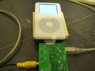 Photo of an iPod Photo attached to the Ultradock